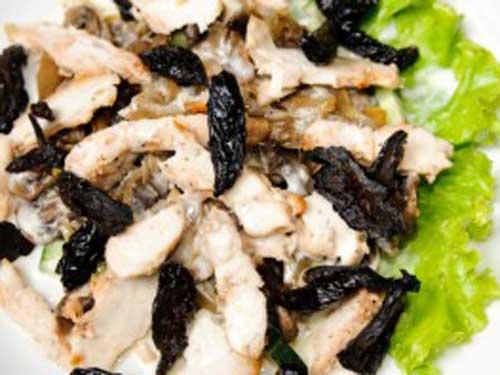 рецепты салатов с черносливом и виноградом